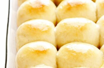 11-Hour Soft and Buttery Dinner Rolls
