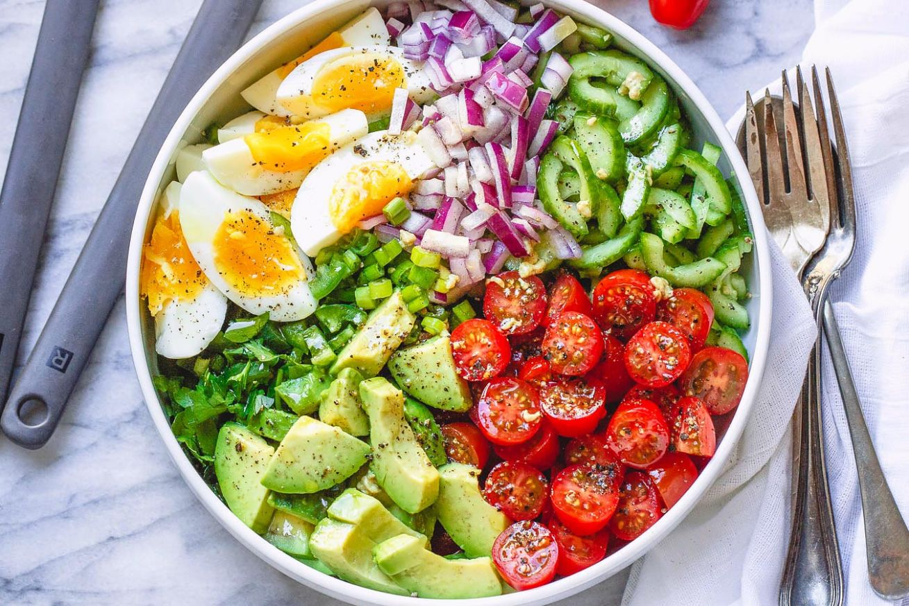 Avocado Salad with Tomato, Eggs and Cucumber - Recipes Salad With Avocado