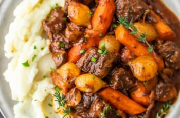 Beef Bourguignon Recipe (Beef Burgundy Stew)