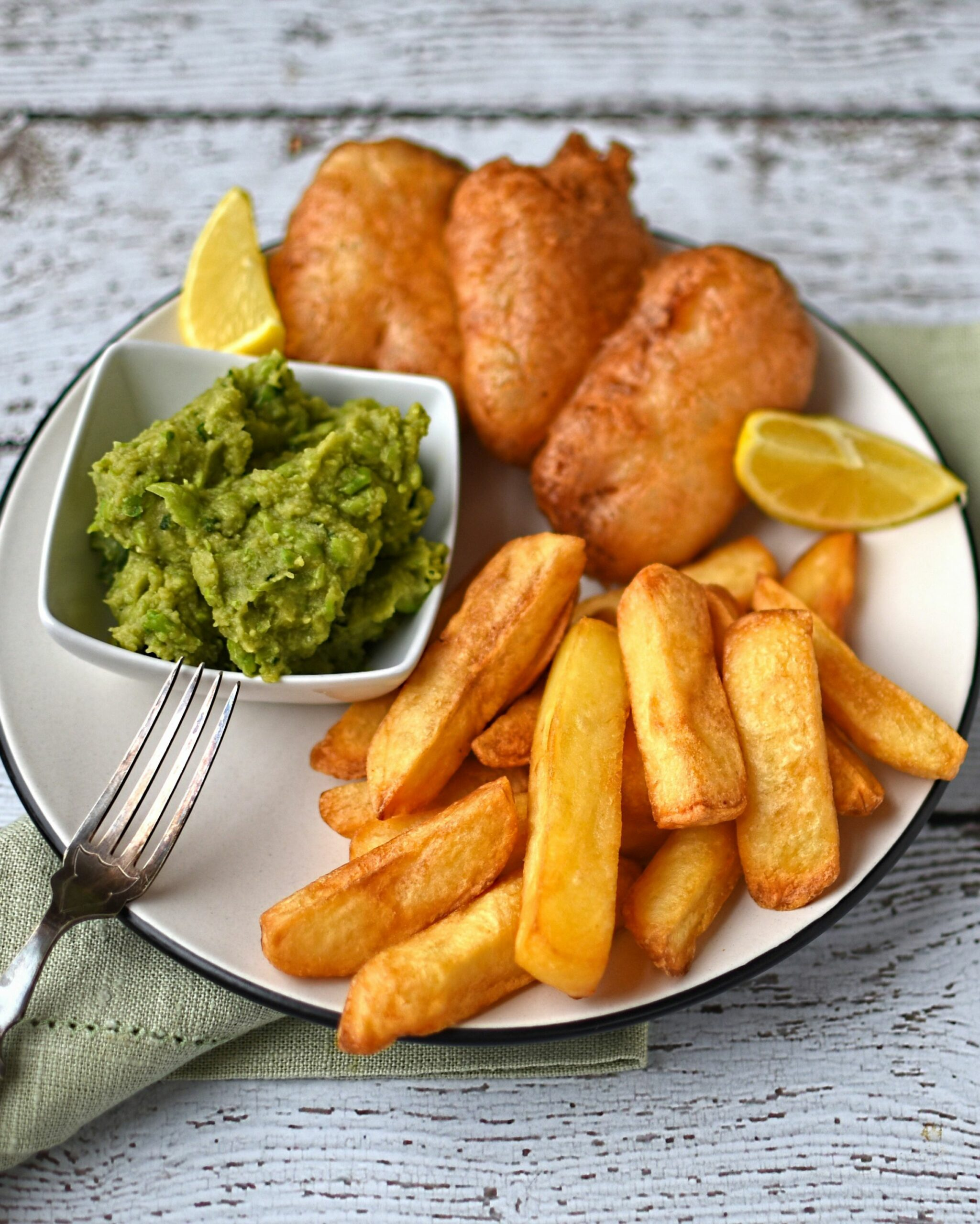 "beer battered halloumi with chips and ""mushy"" peas - The Circus Gardener s  Kitchen - Recipes Fish Halloumi"