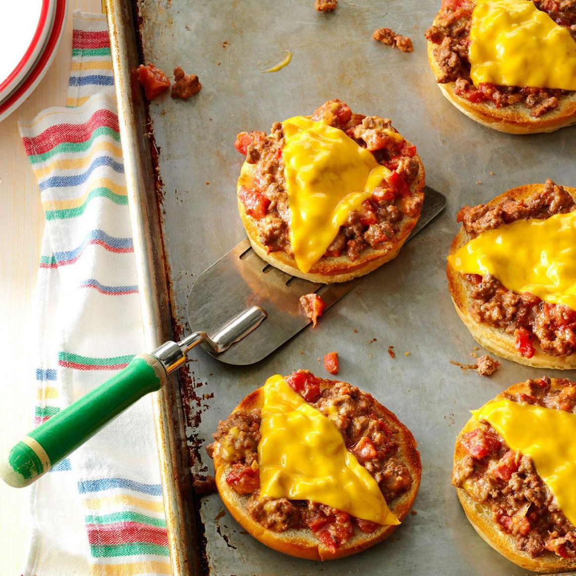 Broiled Pizza Burgers - Recipes For Pizza Burgers