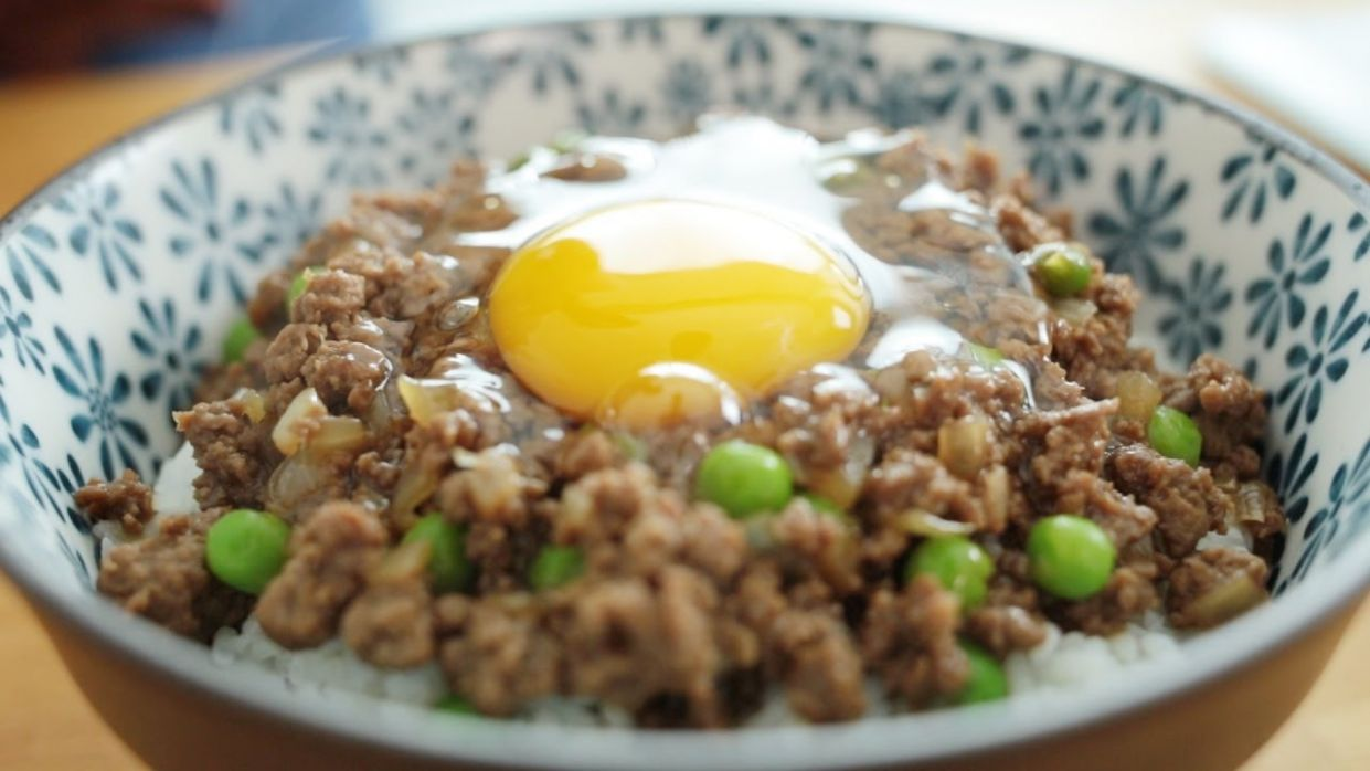 Cantonese Minced Beef with Egg Over Rice - 窩蛋牛肉 - Recipe Egg Ground Beef
