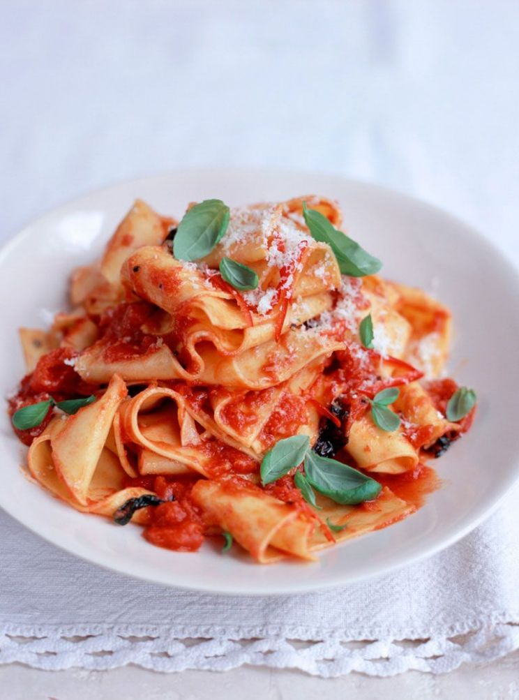 Cheat's homemade pappardelle with quick tomato sauce - Recipes Pasta Jamie Oliver