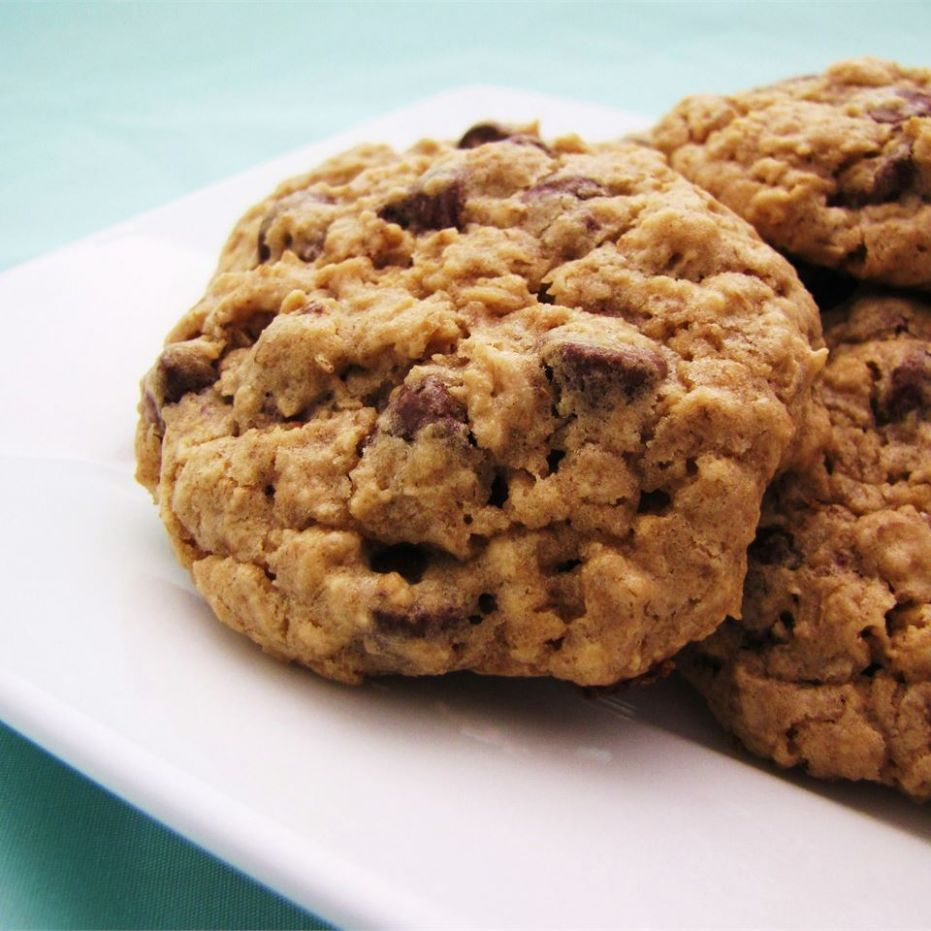 Chewy Chocolate Chip Oatmeal Cookies - Recipe Chocolate Oatmeal Cookies