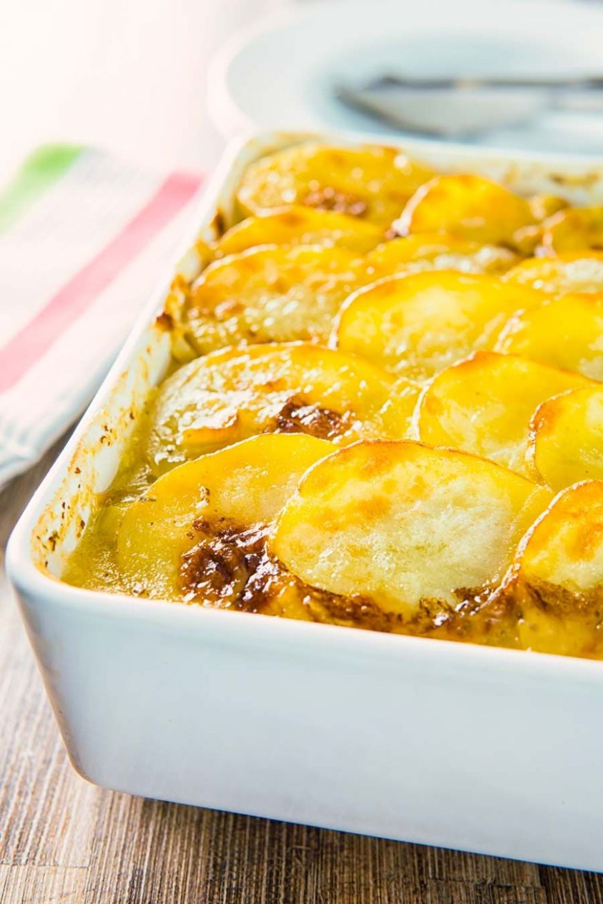 Chicken Hotpot | Yummy chicken recipes, Chicken hotpot, Potato ...