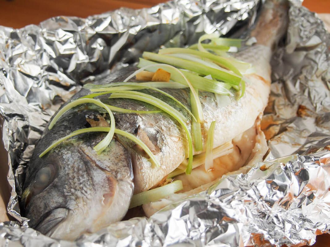 Chinese oven steamed fish - Recipe Fish On The Grill In Foil