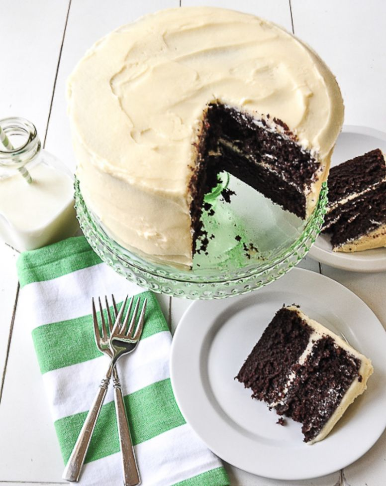 chocolate cake with cream cheese frosting - Cake Recipes Not Too Sweet