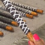 Chocolate Covered Pretzel Rods / How To Make Dipped Pretzels – Recipe Chocolate Dipped Pretzel Rods