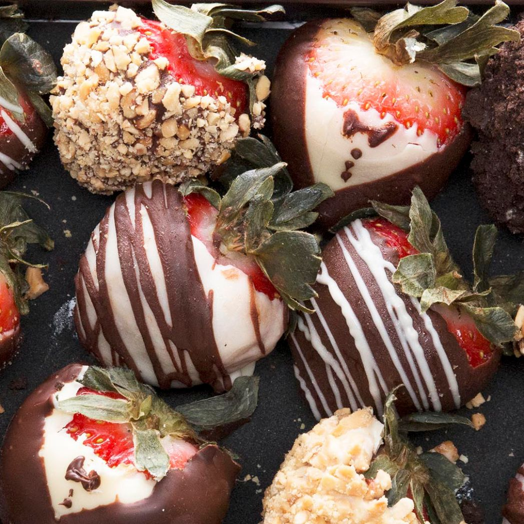 Chocolate-covered Strawberries 12 Ways Recipe by Tasty - Recipes Chocolate Covered Strawberries
