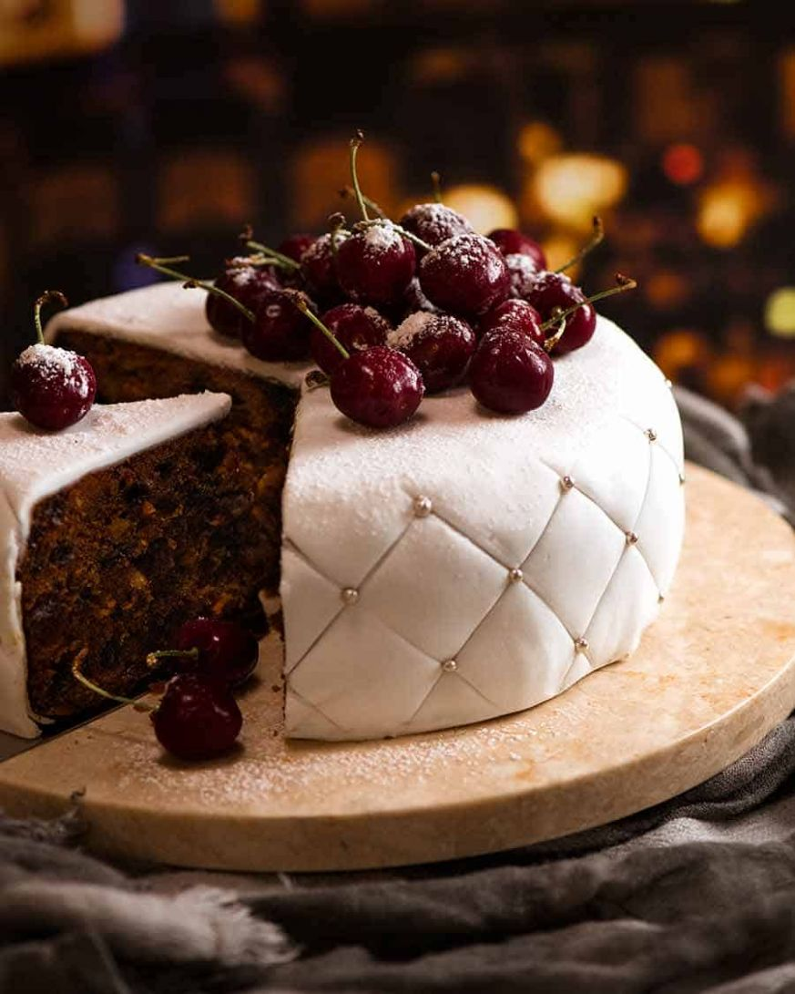 Christmas Cake - EASY moist fruit cake - Easy Recipe Xmas Cake