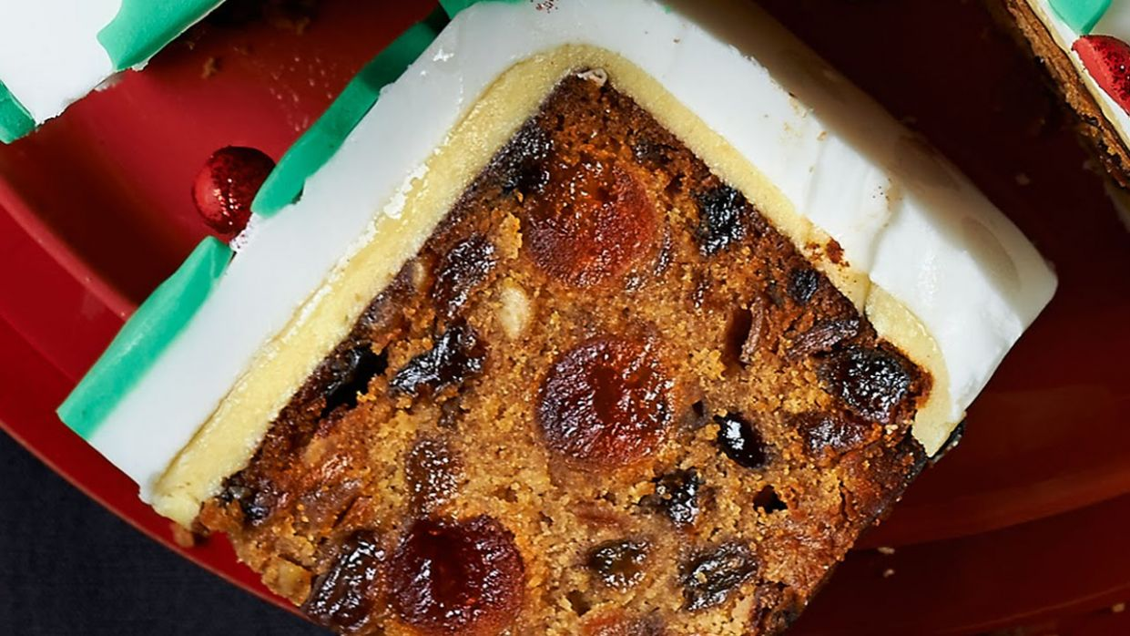 Christmas Cake Recipe - Xmas Cake Recipe - Easy Fruit Cake Recipe - Easy Recipe Xmas Cake