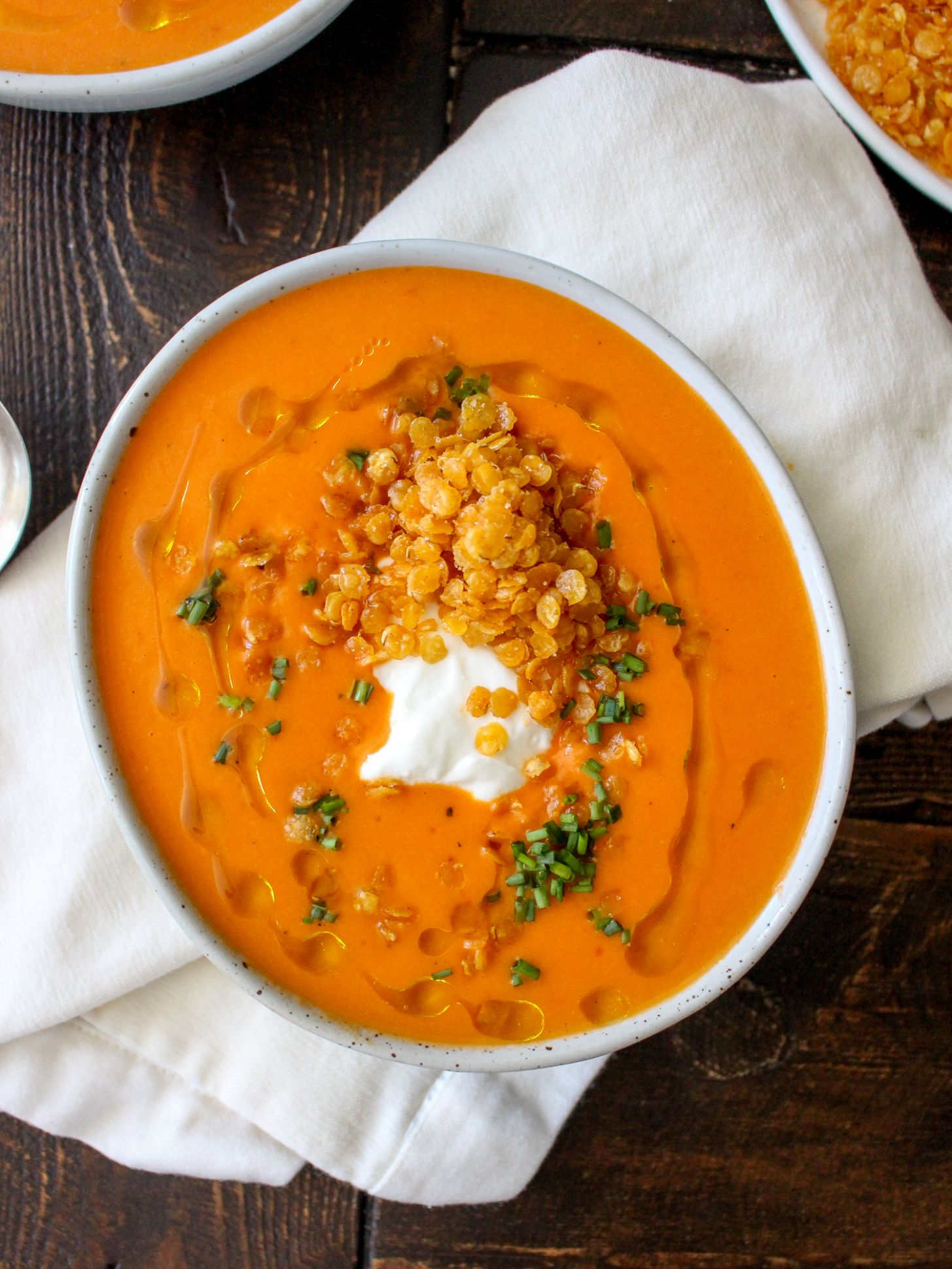Creamy Roasted Red Pepper Soup with Crispy Fried Lentils - Recipes Soup Peppers