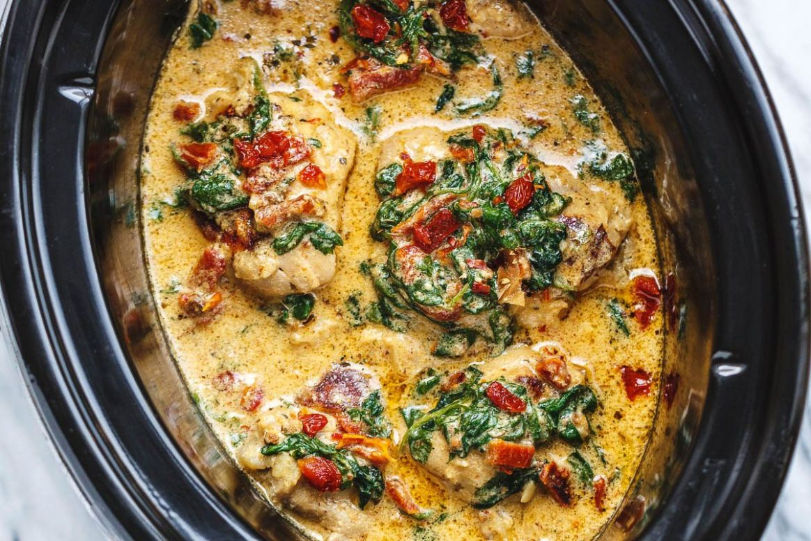 CrockPot Tuscan Garlic Chicken With Spinach and Sun-Dried Tomatoes - Slow Cooker Recipes Chicken Breast Uk