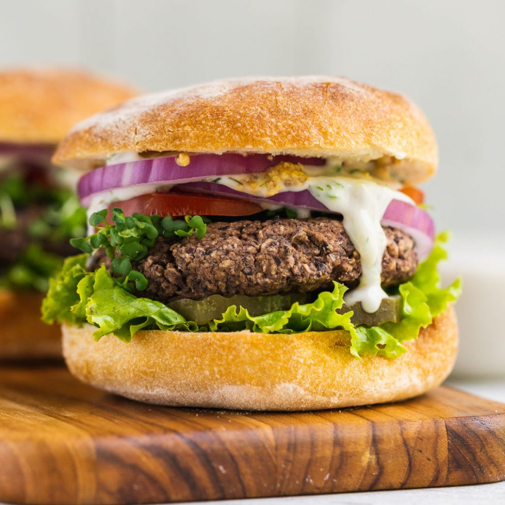 Easy 12-Ingredient Veggie Burgers - Recipes Vegetarian Patties