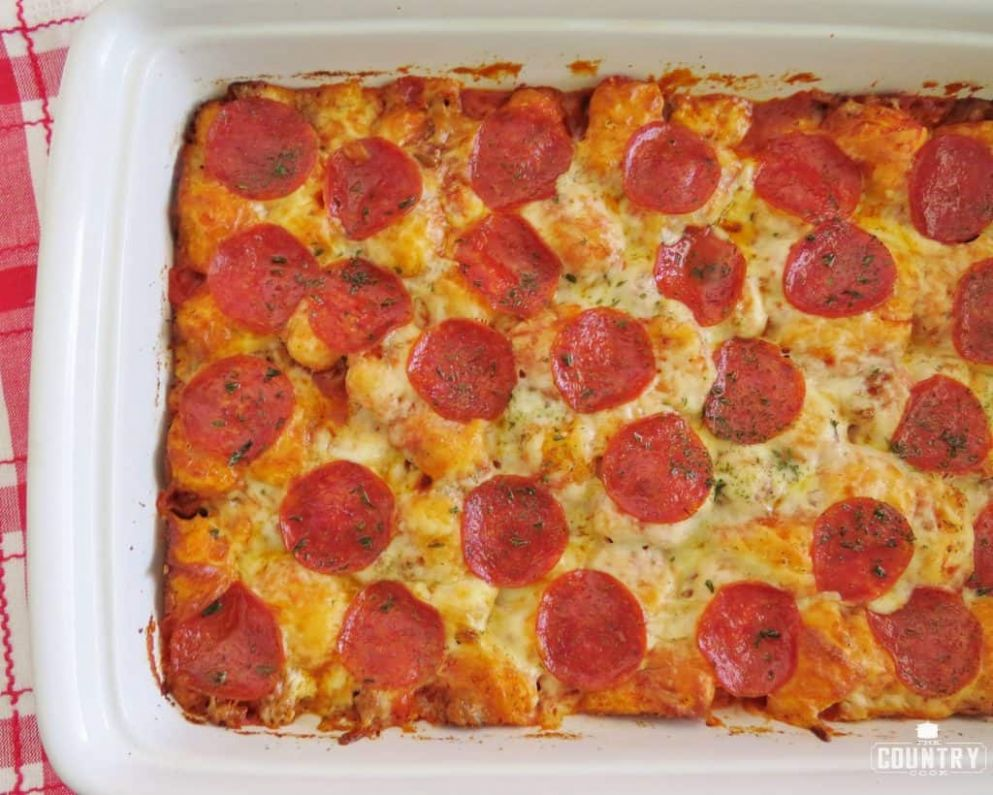 EASY BUBBLE UP PIZZA(+Video)   The Country Cook - Pizza Recipes Using Biscuits