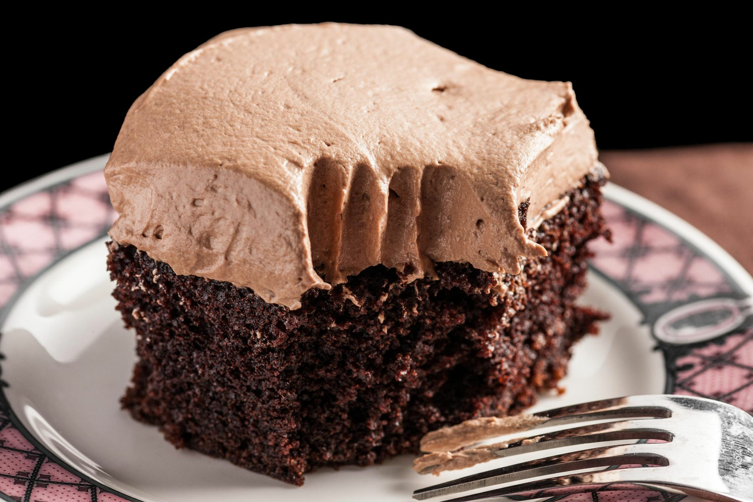 Easy Chocolate Sheet Cake with Mocha Buttercream Frosting - Recipes Cake Frosting