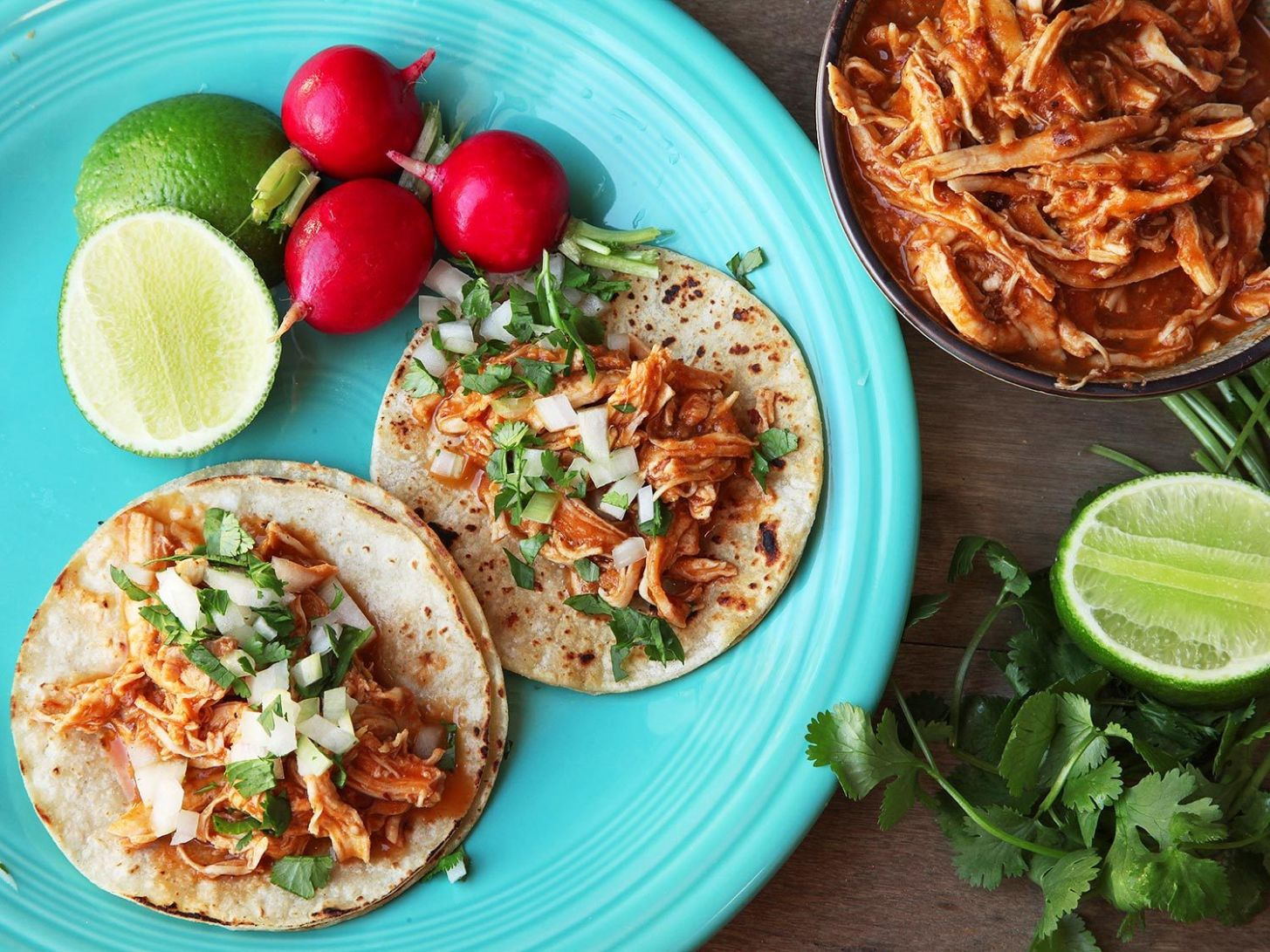 Easy One-Pot Chicken Tinga (Spicy Mexican Shredded Chicken) Recipe - Recipes Chicken Breast Mexican