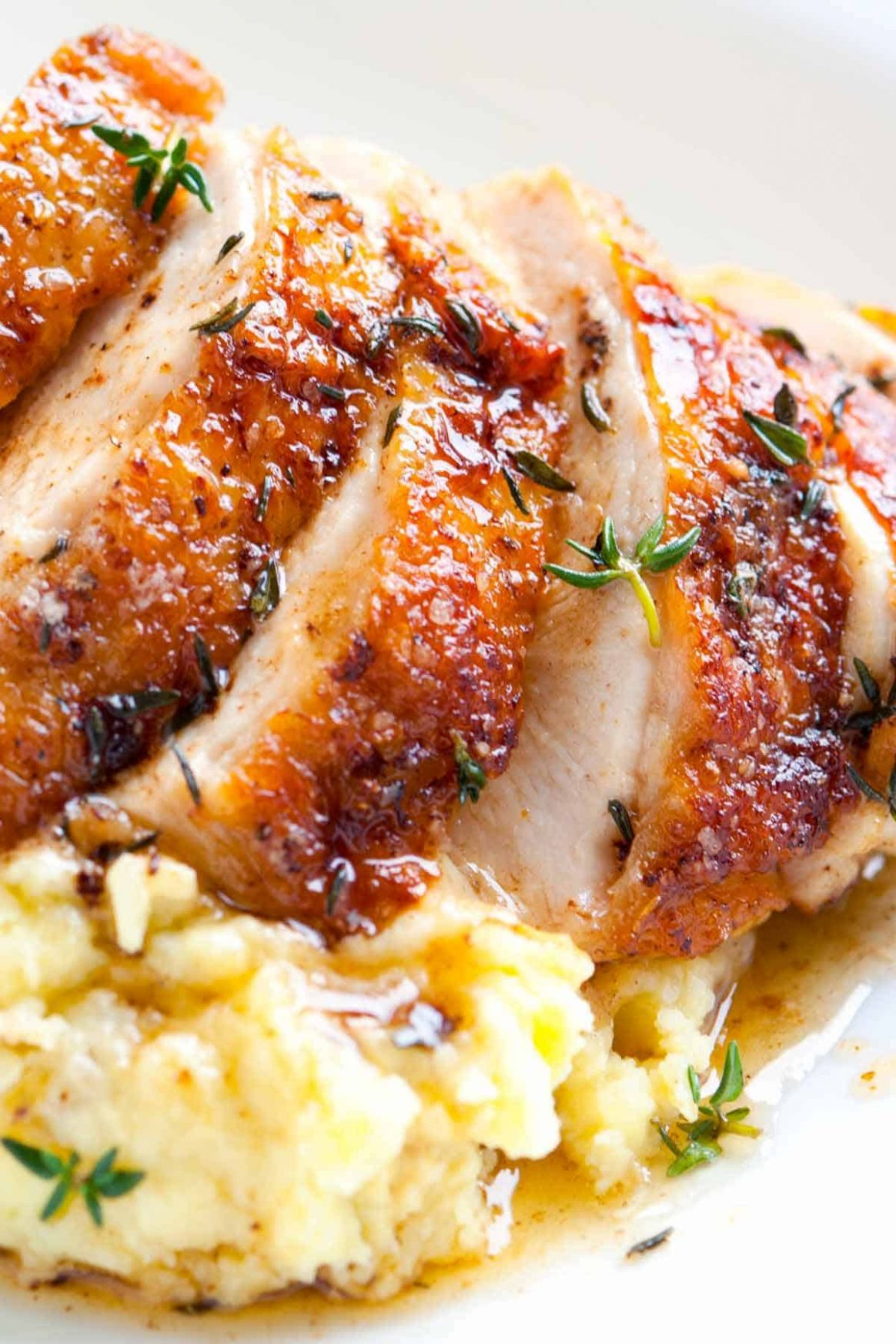 Easy Pan Roasted Chicken Breasts with Thyme - Recipes Chicken Breast Skillet