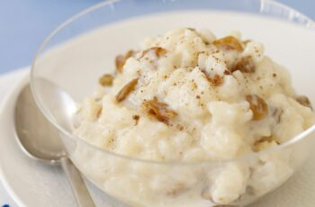 Easy Rice Pudding With Raisins
