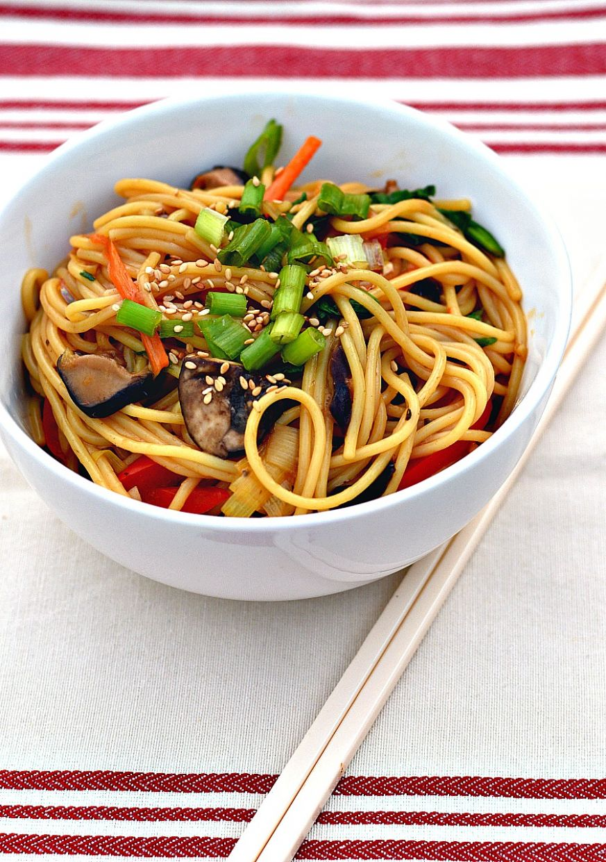 Easy Veggie Lo Mein - Recipes Vegetable Lo Mein