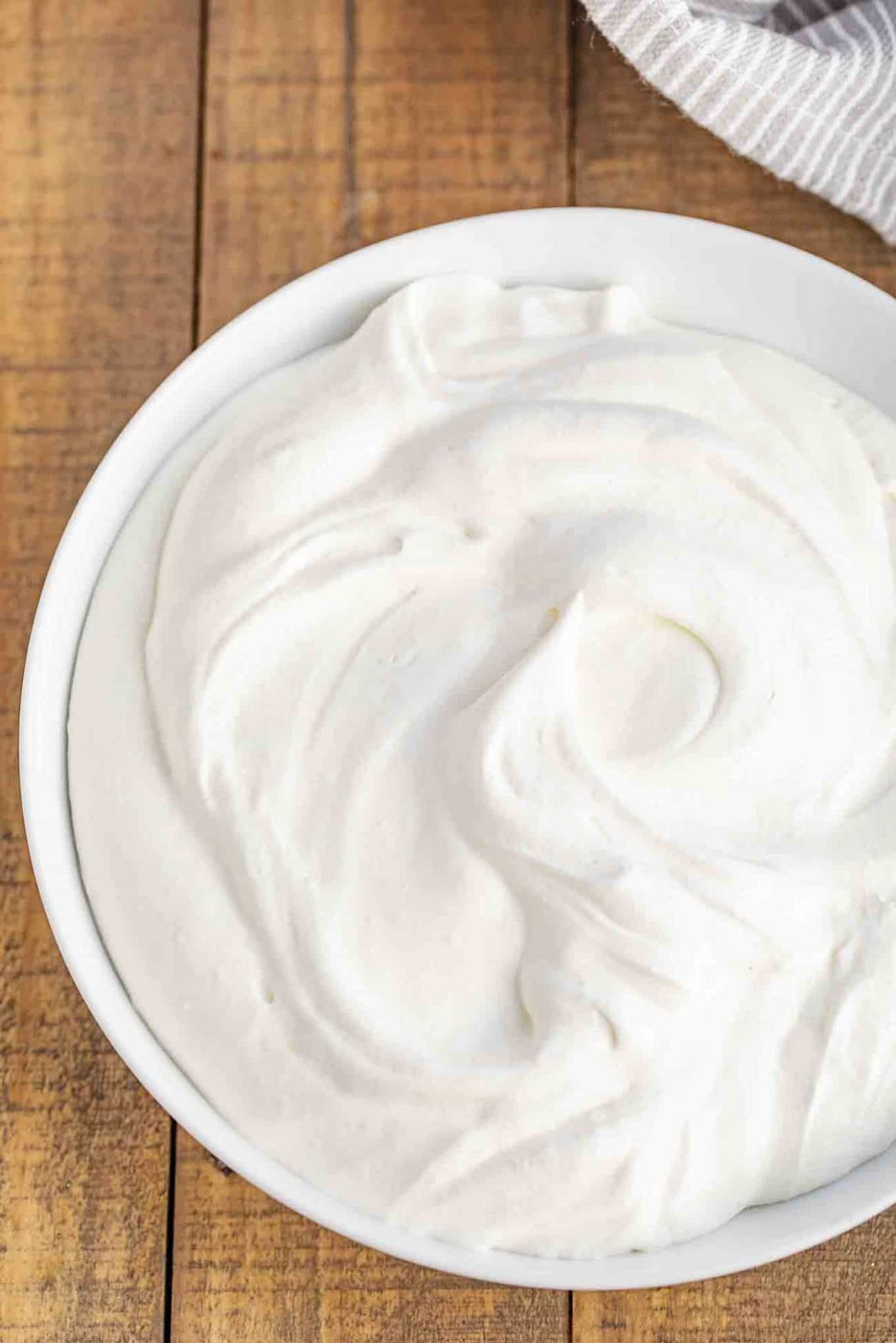 Easy Whipped Cream - Dessert Recipes That Use Heavy Whipping Cream