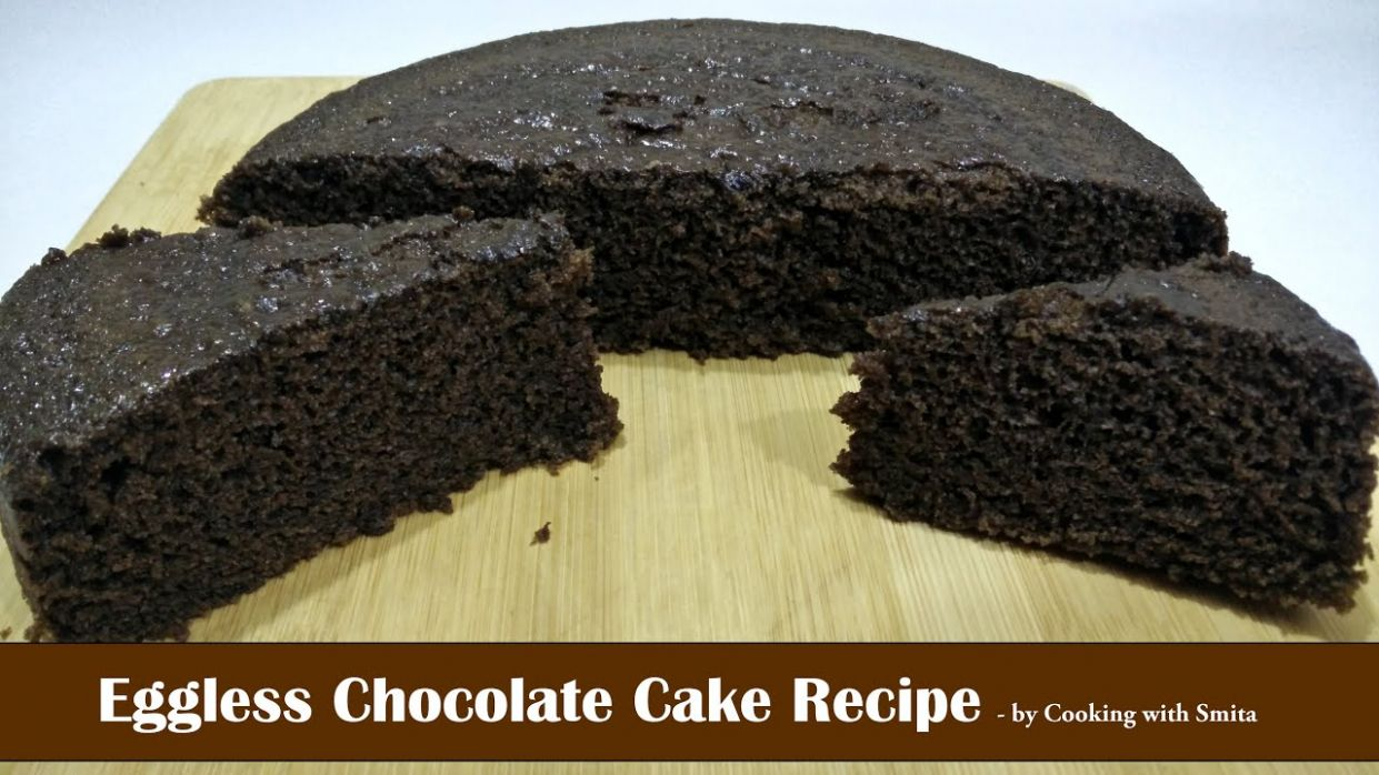 Eggless Chocolate Cake Recipe in Hindi by Cooking with Smita