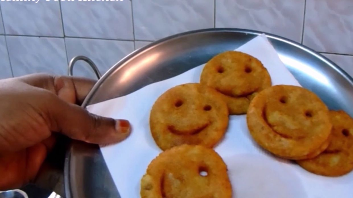 Evening Snacks Recipe in Tamil - Potato Smiley Recipe - Potato Recipe -  Aloo Recipe -Kids Recipe