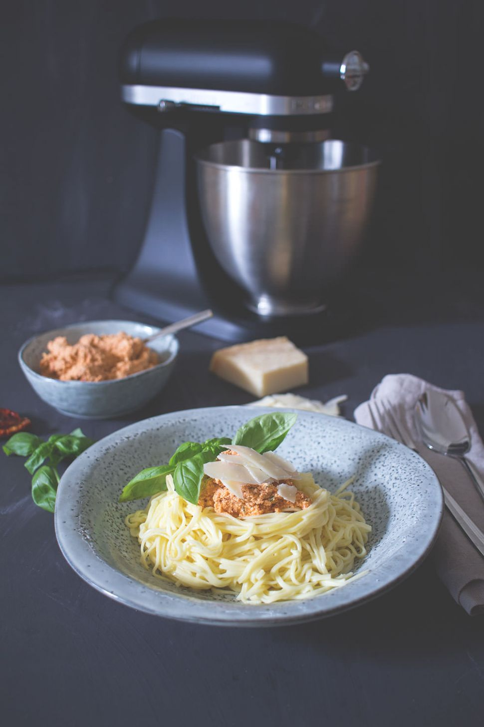 Frische Spaghetti mit Ricotta-Tomaten-Pesto - Pasta Recipes Kitchenaid