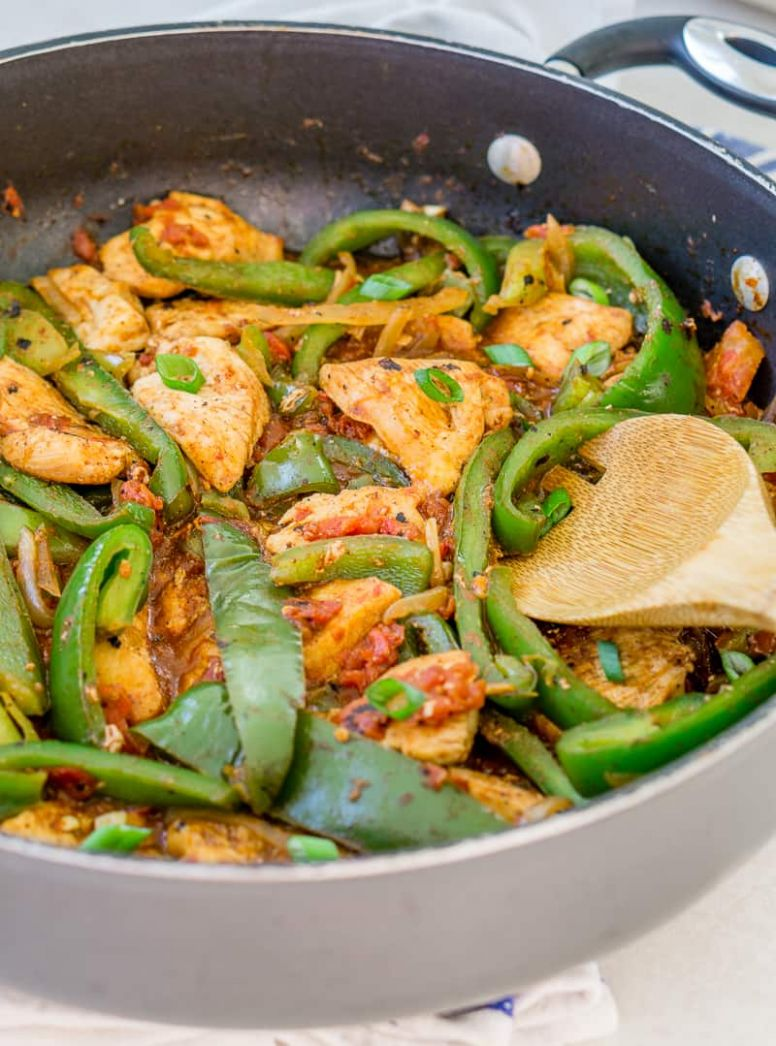 Garlic Chili Chicken and Pepper Skillet - Recipes Chicken Breast Bell Peppers Onions