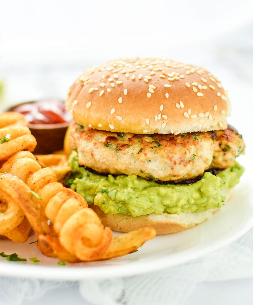 Grilled Chicken Burgers with Guacamole - Recipes Chicken Burgers
