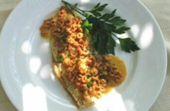 Grilled Plaice Fillets with Shrimp Sauce