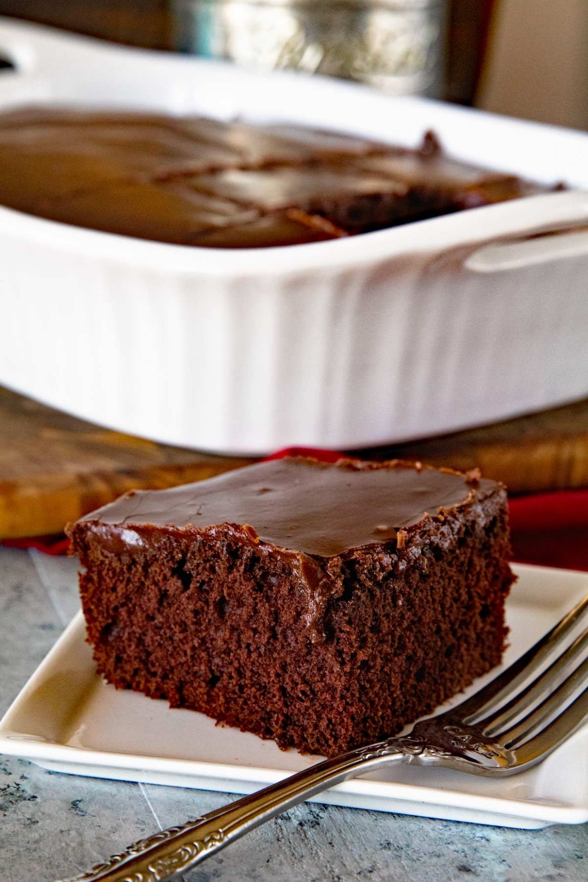 Homemade Chocolate Cake with Chocolate Frosting - Recipes Chocolate Cake Homemade