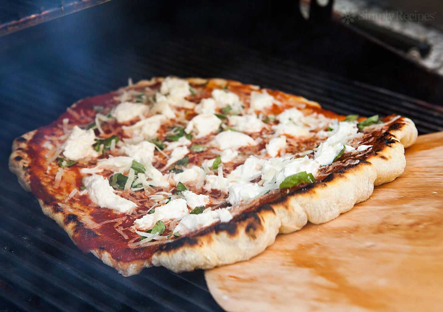 How to Grill Pizza - Recipes Pizza On The Grill