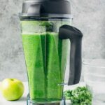 How to make green juice with a blender