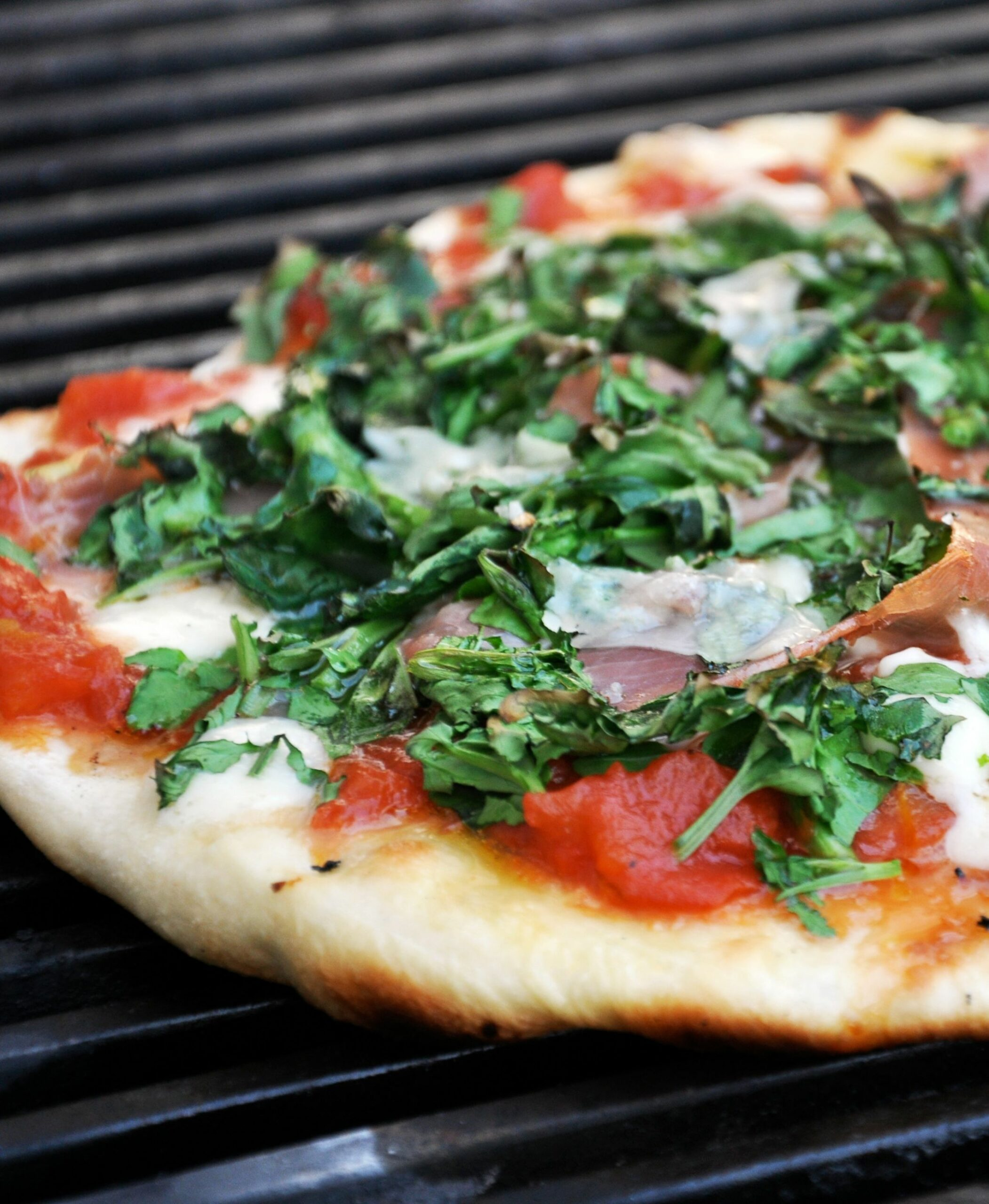 How To Make the Best Grilled Pizza - Recipes Pizza On The Grill