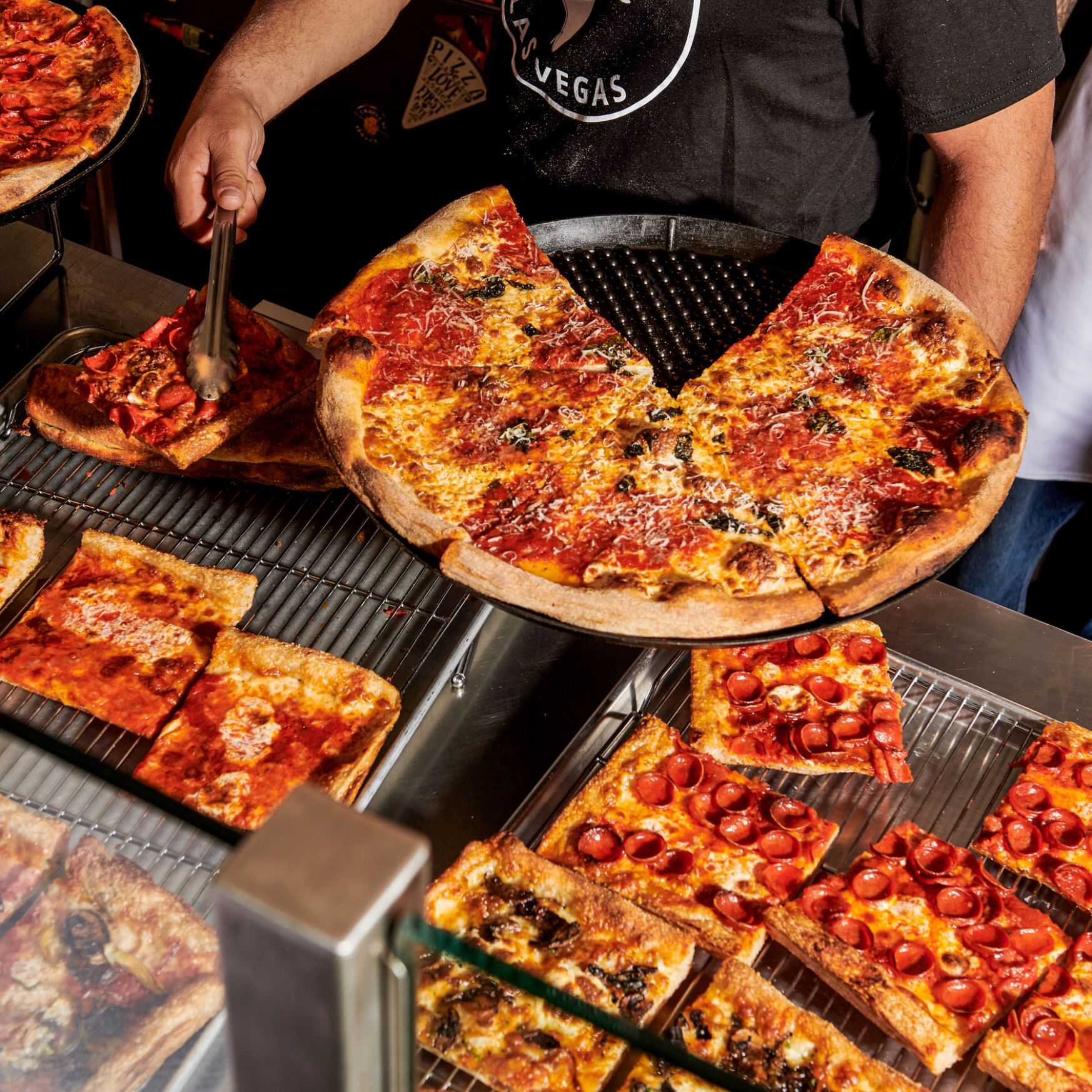In Las Vegas, the Home-Style Pizza Is an Everything Pie - The New ..