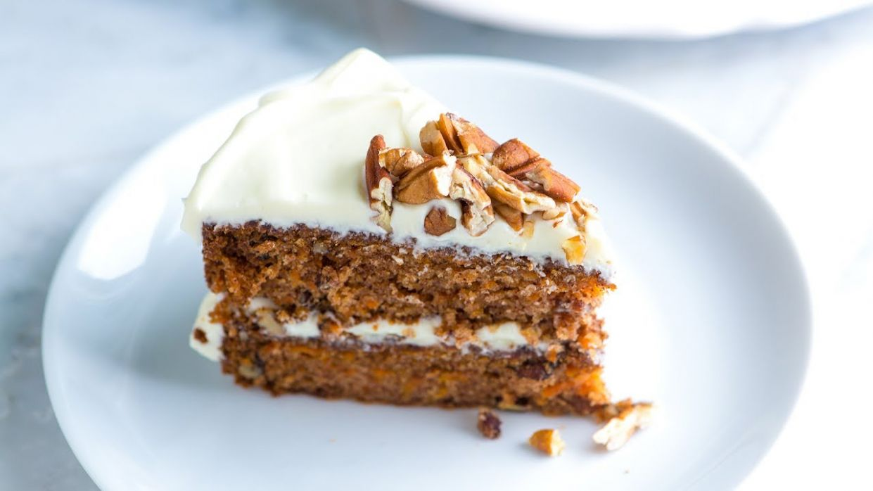 Incredibly Moist and Easy Carrot Cake - Recipes Carrot Cake
