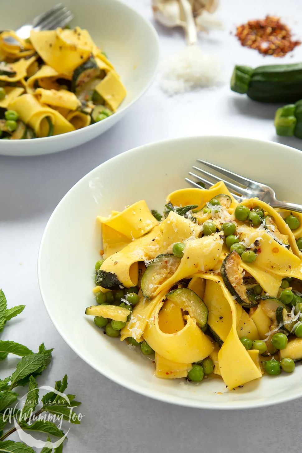 Jamie Oliver's courgette and pea pasta - Recipes Pasta Jamie Oliver