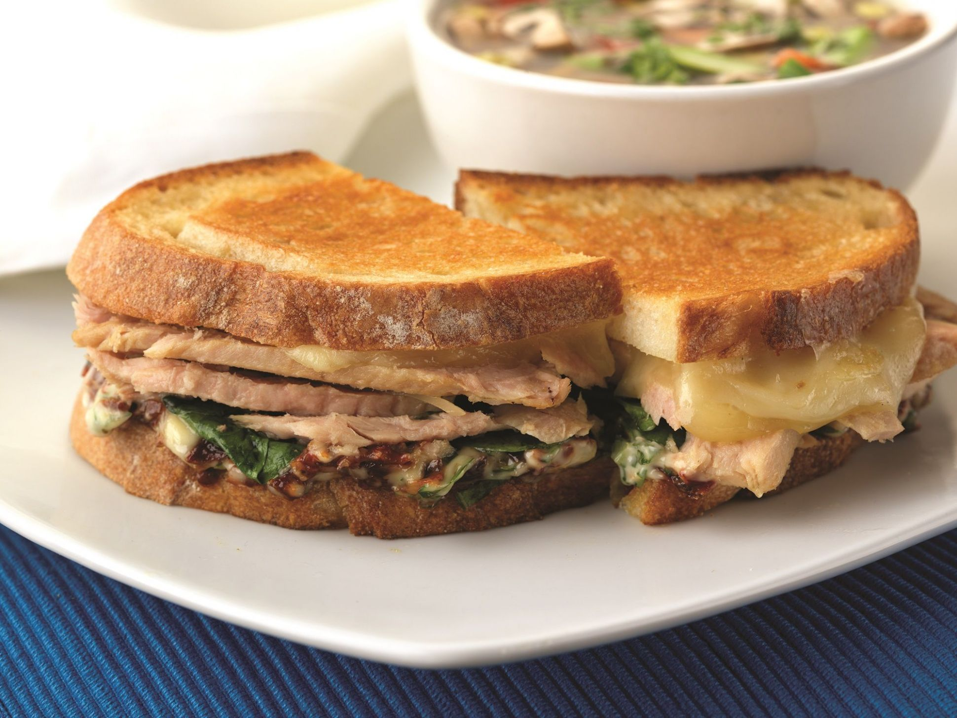 Make Life Easy with this Grilled Tuna and Swiss Cheese Sandwich ..