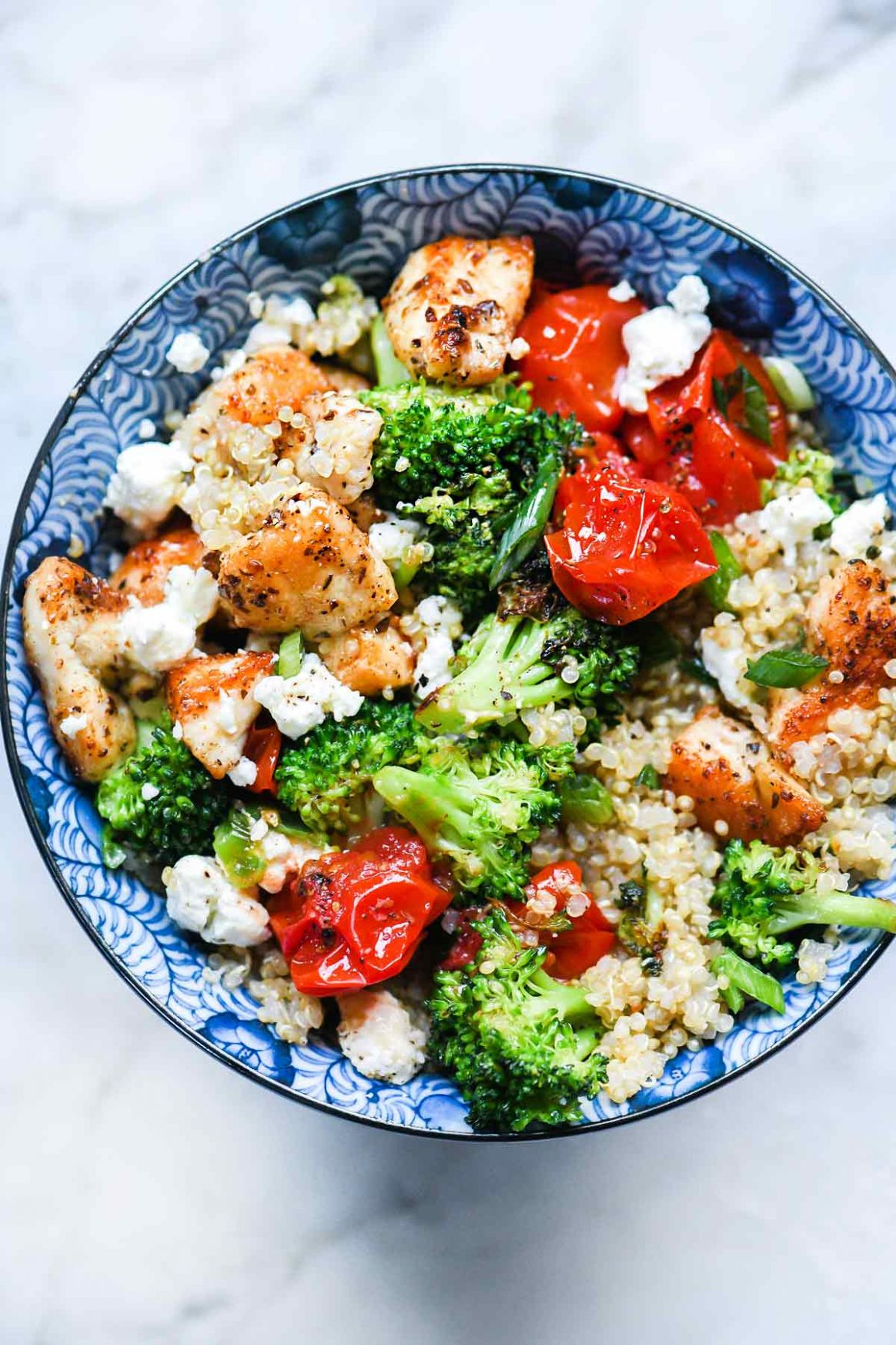 Mediterranean Chicken Quinoa Bowl with Broccoli and Tomato - Simple Recipes Quinoa
