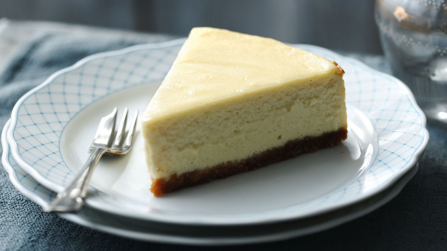 New York cheesecake - Simple Recipes New York Cheesecake