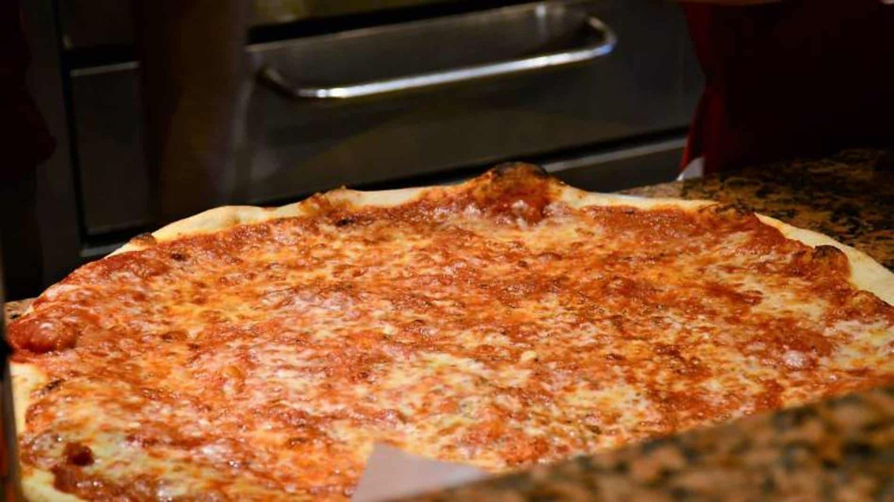 New York-Style Pizza: An Iconic and Delicious Meal (10)