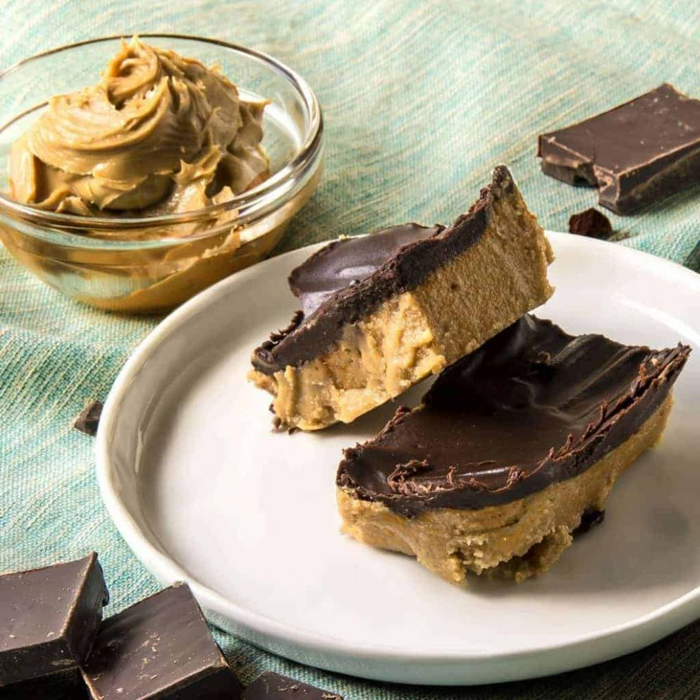 No-Bake Keto Desserts: Peanut Butter Chocolate Bars | TwoSleevers - Dessert Recipes Keto