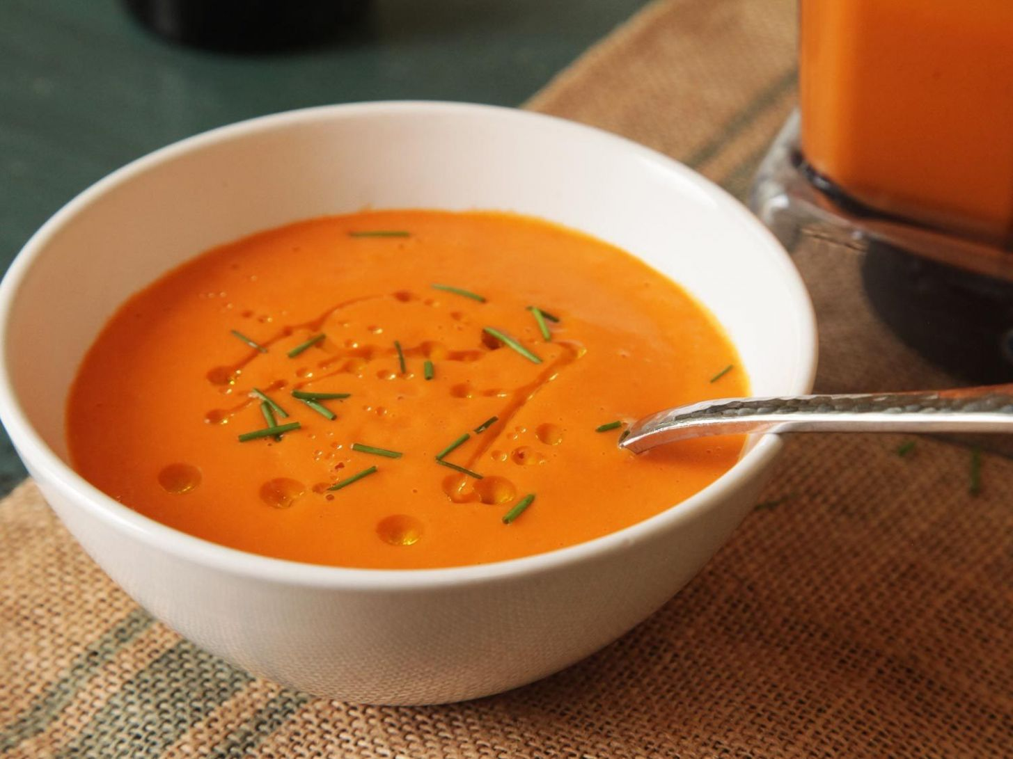 No-Cook Blender Tomato Soup Recipe - Soup Recipes You Can Make In A Blender