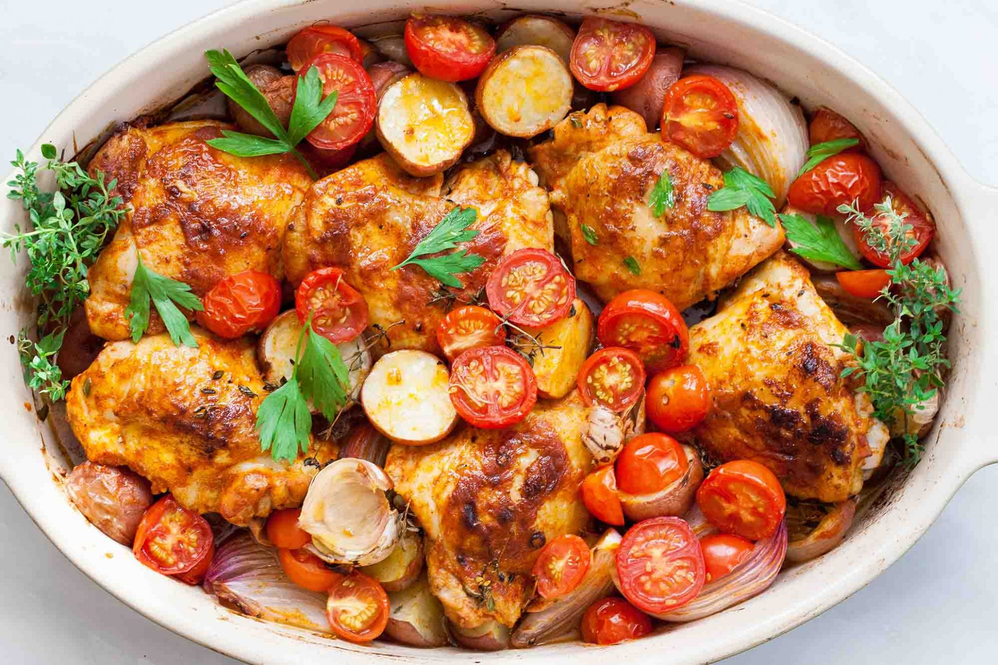 One-Pan Paprika Chicken with Potatoes and Tomatoes - Recipes Chicken Breast Tomatoes