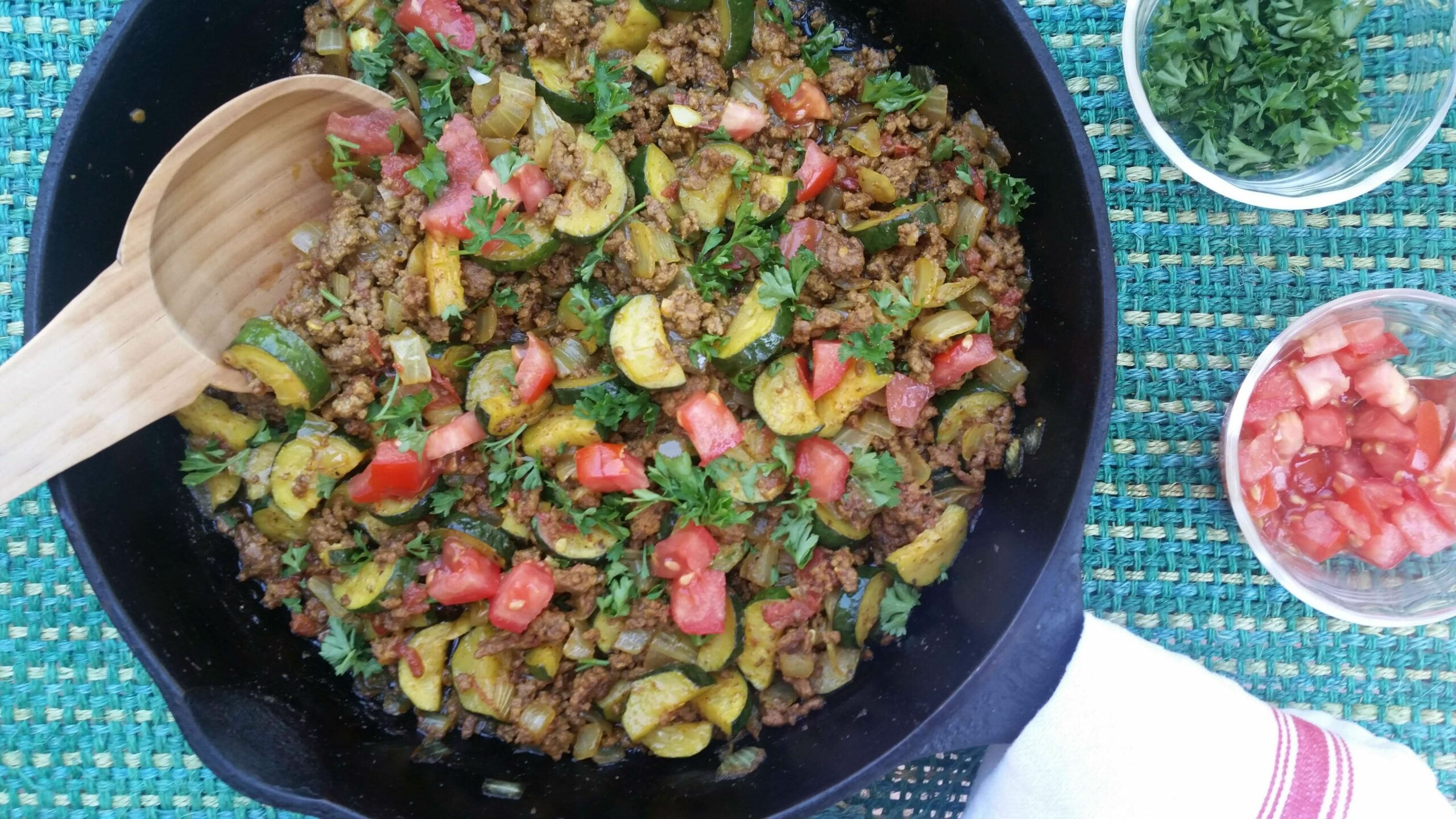 One-Skillet Ground Beef Recipe with Zucchini and Spices - Ground Beef Recipes Zucchini