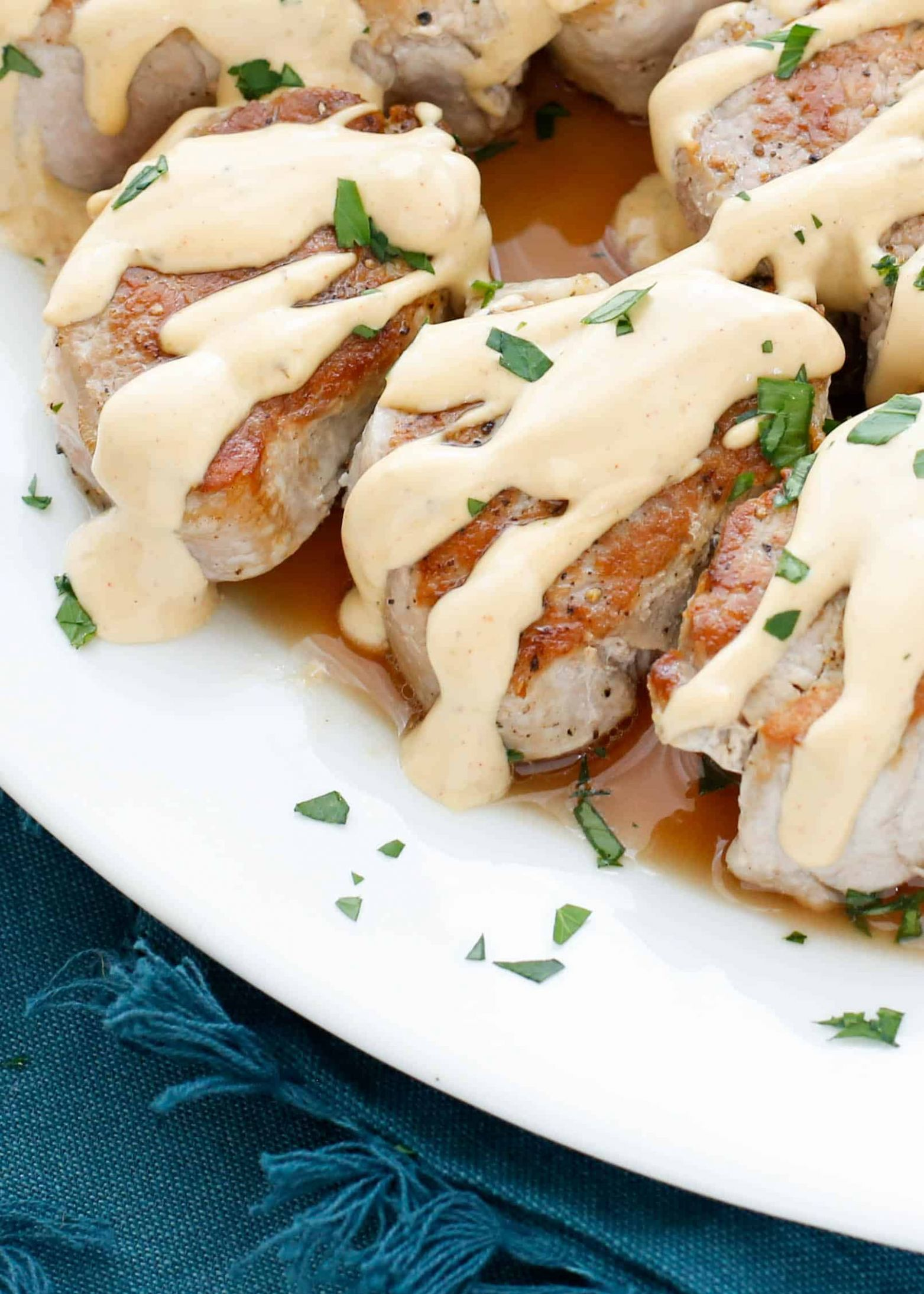 Pan Fried Pork Medallions with Creamy Wine Sauce - Recipes Pork Loin Medallions