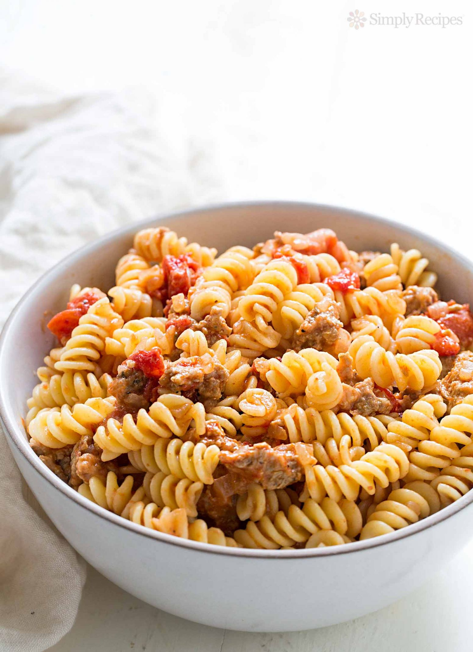 Pasta with Turkey Sausage and Smoked Mozzarella - Recipes Pasta With Sausage