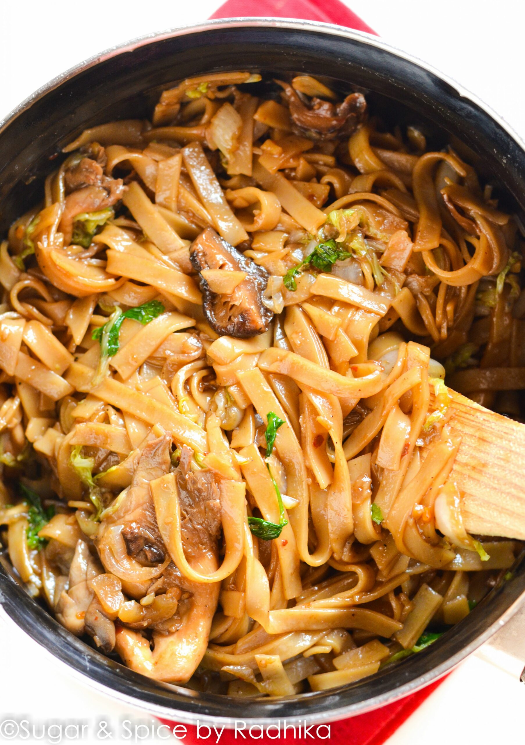 Rice Stick Noodles with Shiitake and Oyster Mushrooms - Cook Gourmet - Recipes Rice Stick Noodles