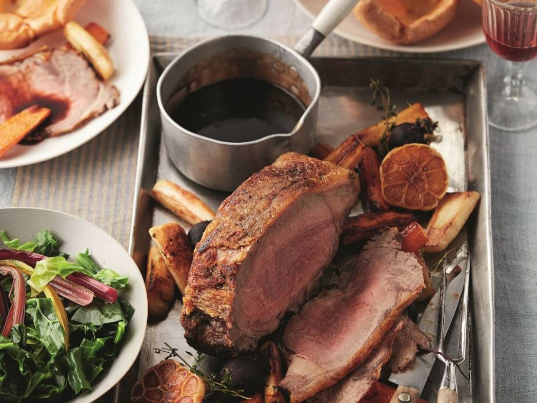 Roast Beef with Caramelised Onion Gravy Recipe - Recipes Beef Joint